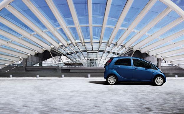 Peugeot iOn Elektroauto Kleinstwagen