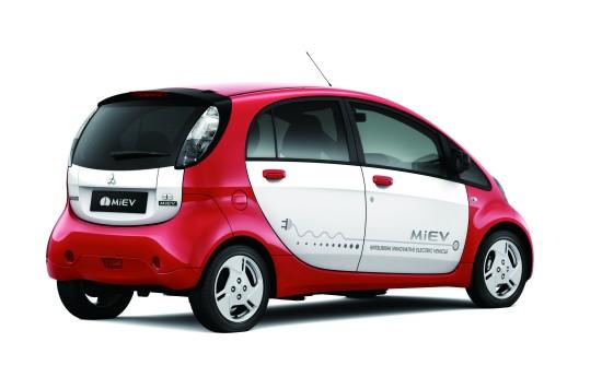 Mitsubishi i-MiEV: Japanisches Kei-Car mit Elektroantrieb, Marktstart Ende 2010 (Quelle: MITSUBISHI)