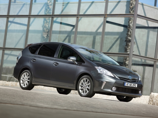 Toyota Prius+: Der Prius+ ist geräumiger als der altbekannte Toyota Prius und ist ein gutes Beispiel für ein familientaugliches Hybridauto (Quelle: Toyota)