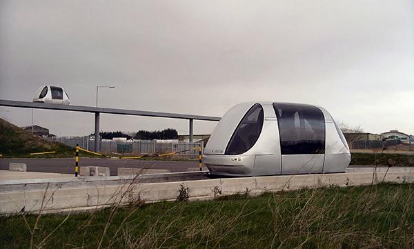 Autonomes Transportsystem ULTra (Urban Light Transit) während der Entwicklung