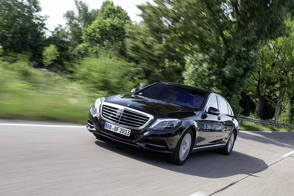 Mercedes-Benz S500 Intelligent Drive (Quelle: Daimler)
