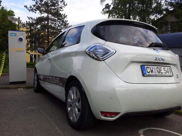 Renault ZOE: Die Benutzung der Ladesäule gibt keine Rätsel auf