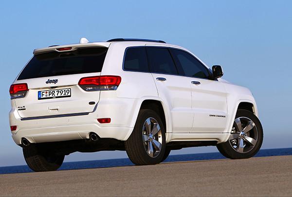 Jeep Grand Cherokee FlexFuel: Nach Herstellerangaben steigt der Kraftstoffverbrauch des Flexible Fuel Vehicle im Bioethanol-Betrieb um 33 Prozent (Quelle: Jeep)
