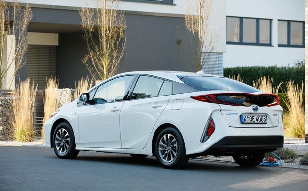 Toyota Prius PHEV Plug-In-Hybridauto