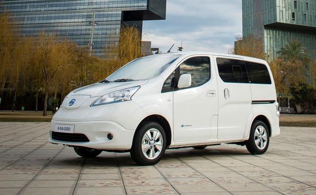 Nissan e-NV200 Evalia Elektroauto Elektrofahrzeug