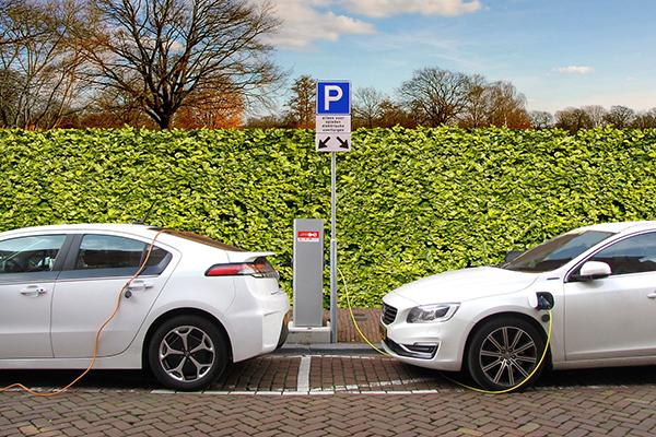 Elektroautos Ladestation Aufladen