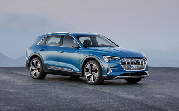 Audi e-tron Elektroauto Elektrofahrzeug