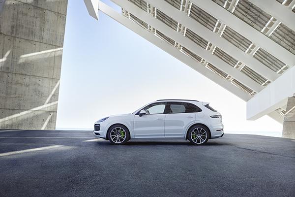 Porsche Cayenne E-Hybrid Plug-In-Hybridauto