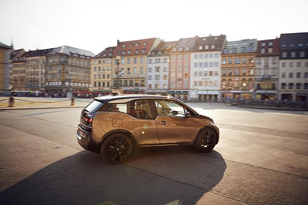 BMW i3 (120 Ah) Elektroauto Seitenansicht