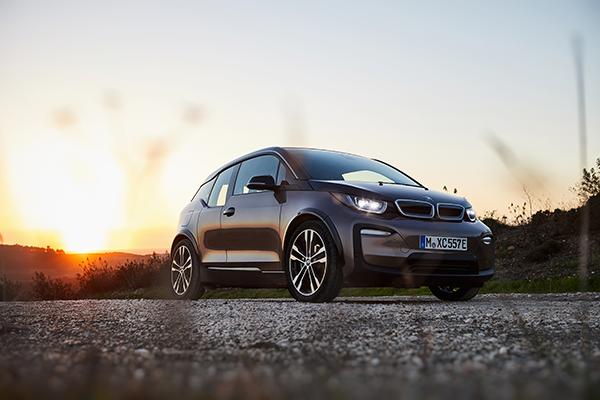 BMW i3 (120 Ah) Elektroauto Vorderansicht