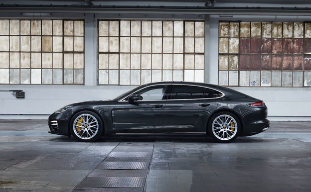 Porsche Panamera Turbo S E-Hybrid Executive Plug-In-Hybridauto