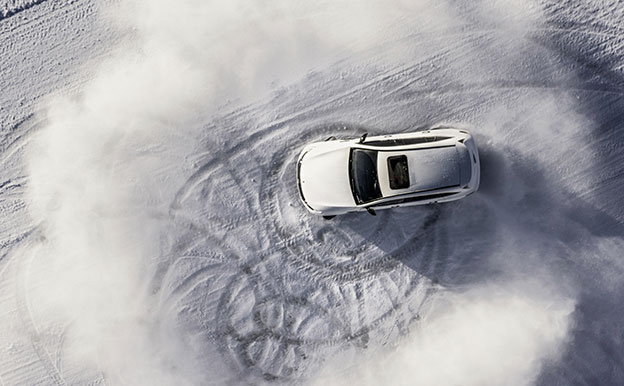 Mercedes-Benz EQC Elektroauto Allradantrieb