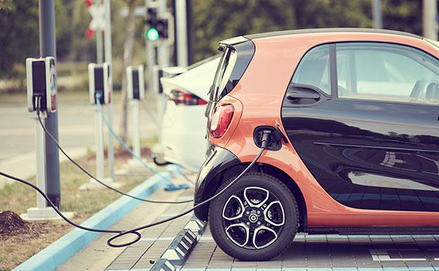 Titelbild Elektroauto laden Ladestation