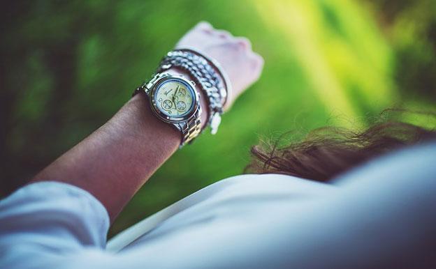 Titelbild Uhr Armbanduhr