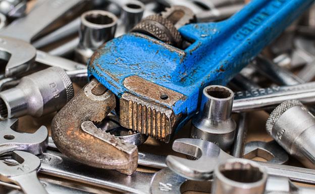 Titelbild Werkzeug Zange Reparatur